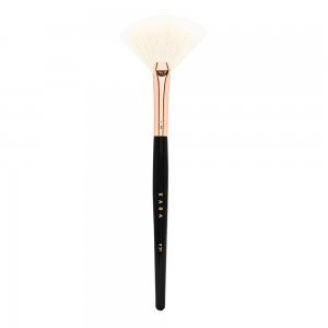 Kara Beauty K31 Fan Brush